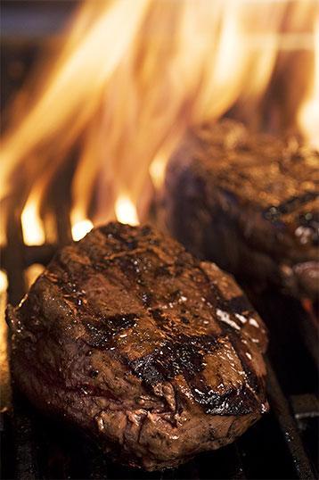 Plat-1-la-petite-auberge-roynac-piece-de-boeuf-au-grill
